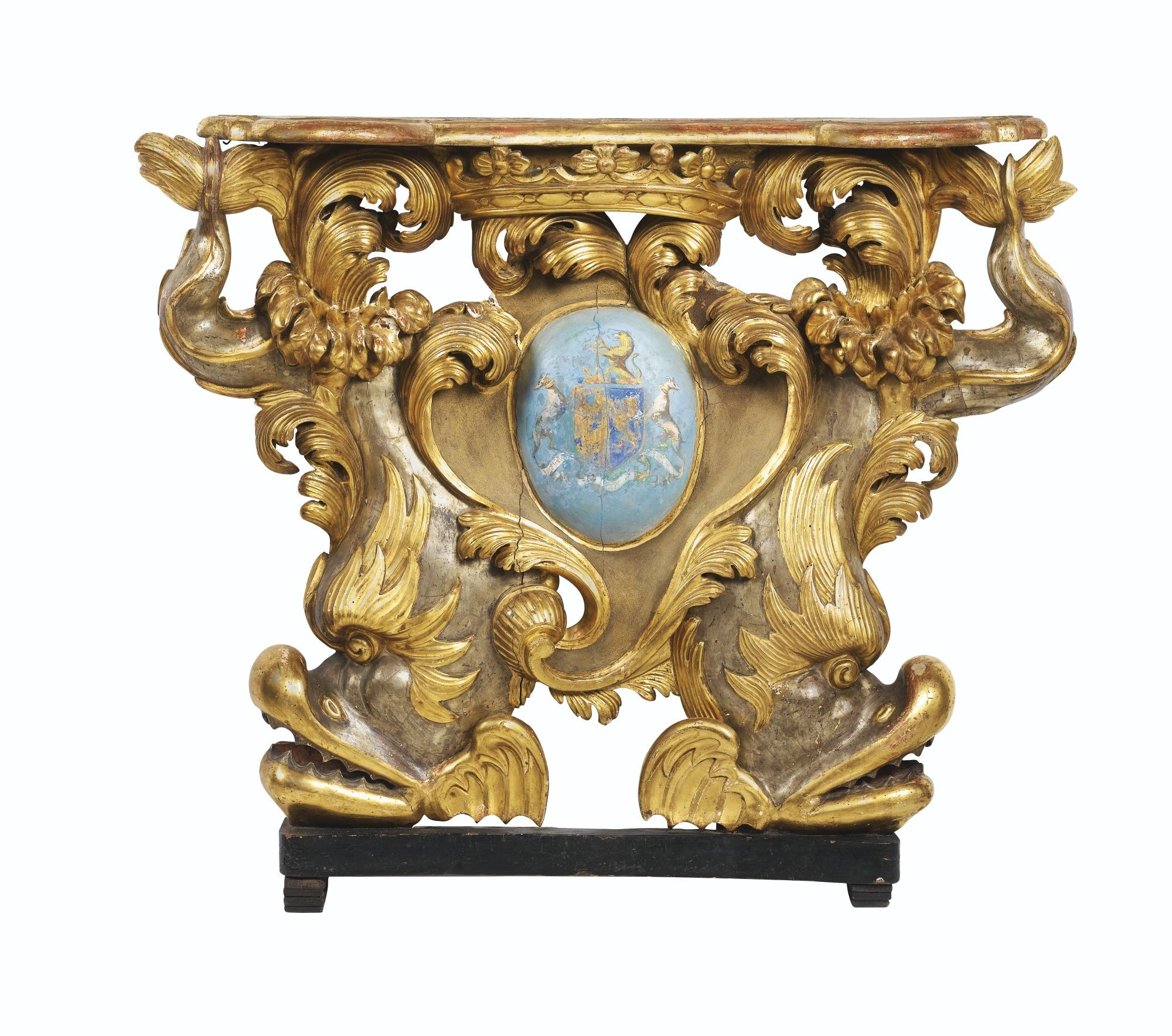 A SILVER-GILT AND PARCEL GILT WOOD CONSOLE, GENOESE, MID 18TH CENTURY,Haut. 112 cm, larg. 117 cm, prof. 20 cm, Height 40 in; width 46 in; depht 8 in