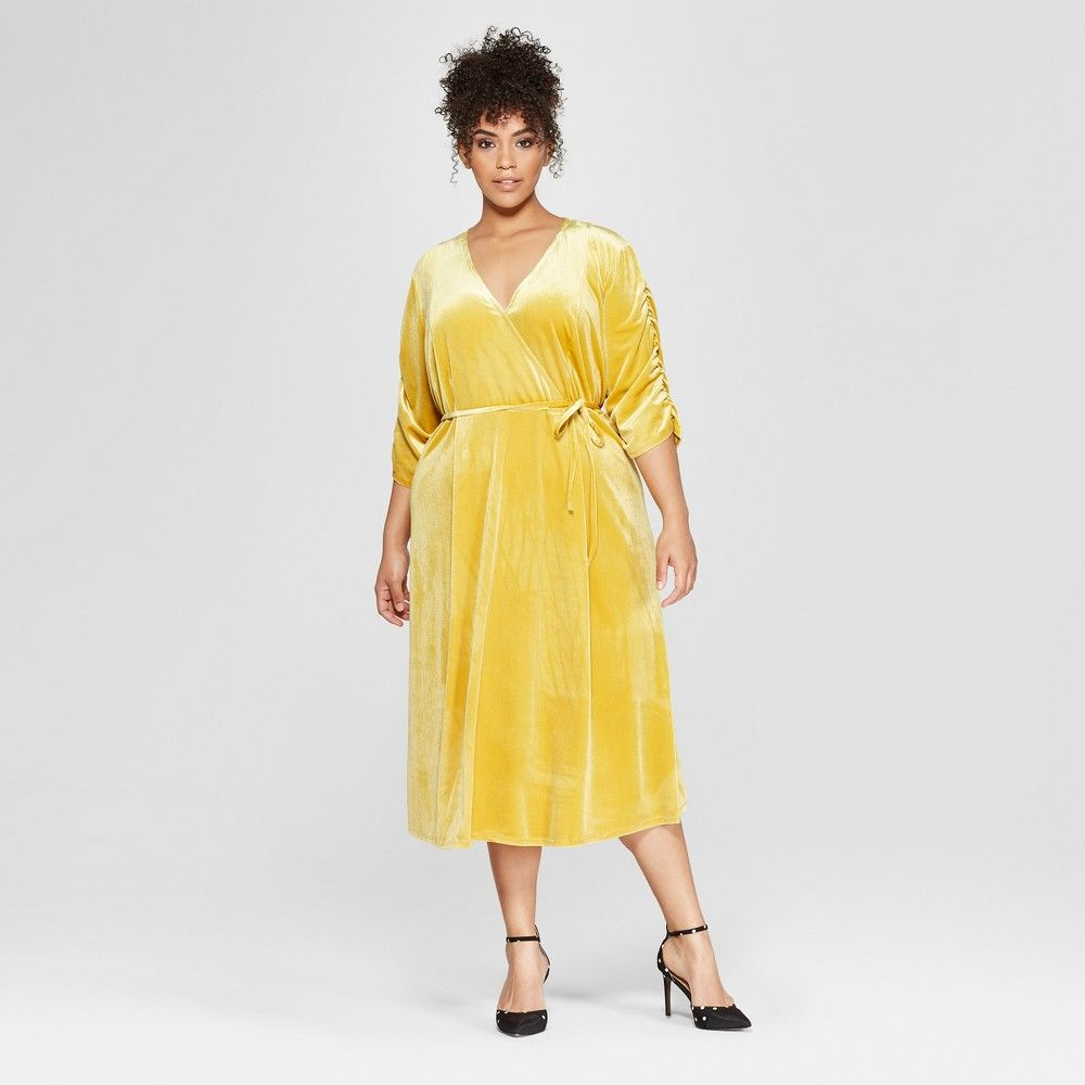 9a2dad1758 Both timeless and modern the Ruffle Wrap Dress - Who What Wear is a  universally flattering silhouette that dresses down for day and steps it up  for night.