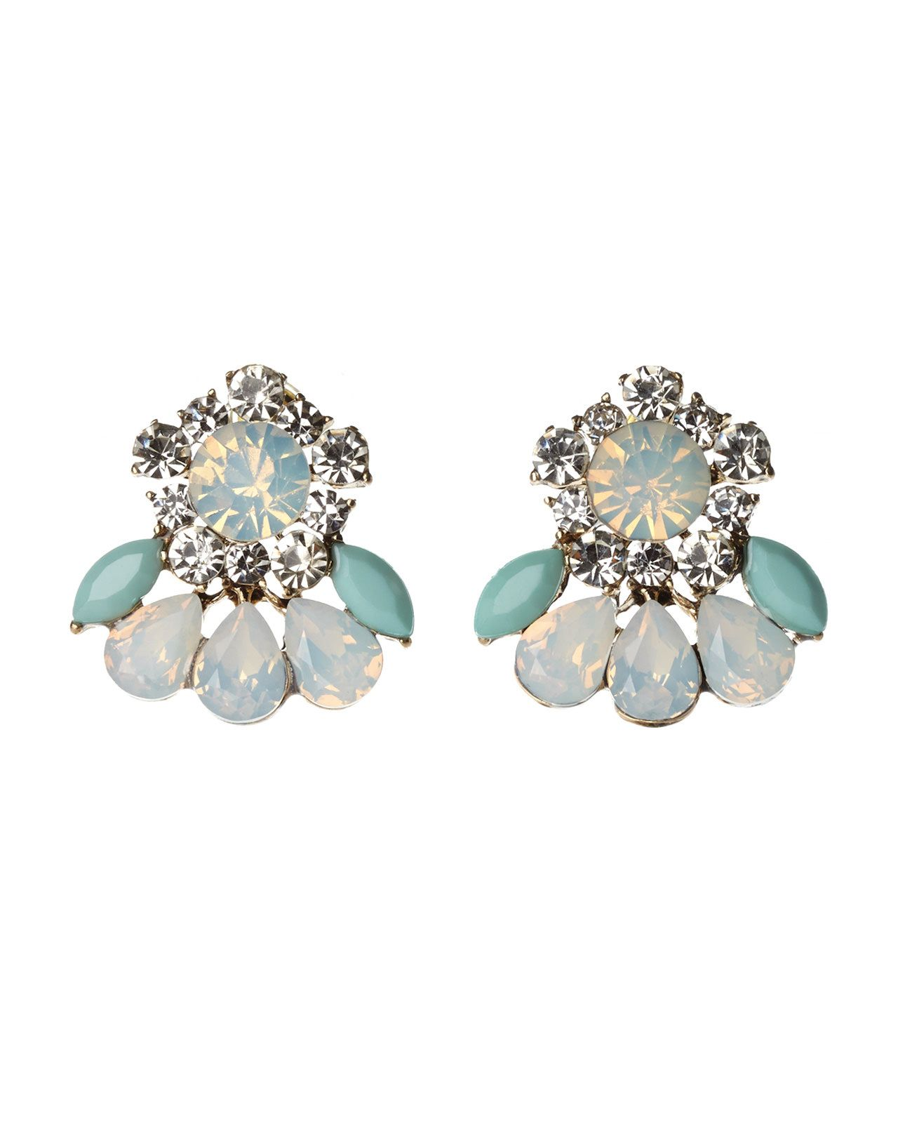 The finishing touch to your day to night. #OOTD #earrings #allthatglitters
