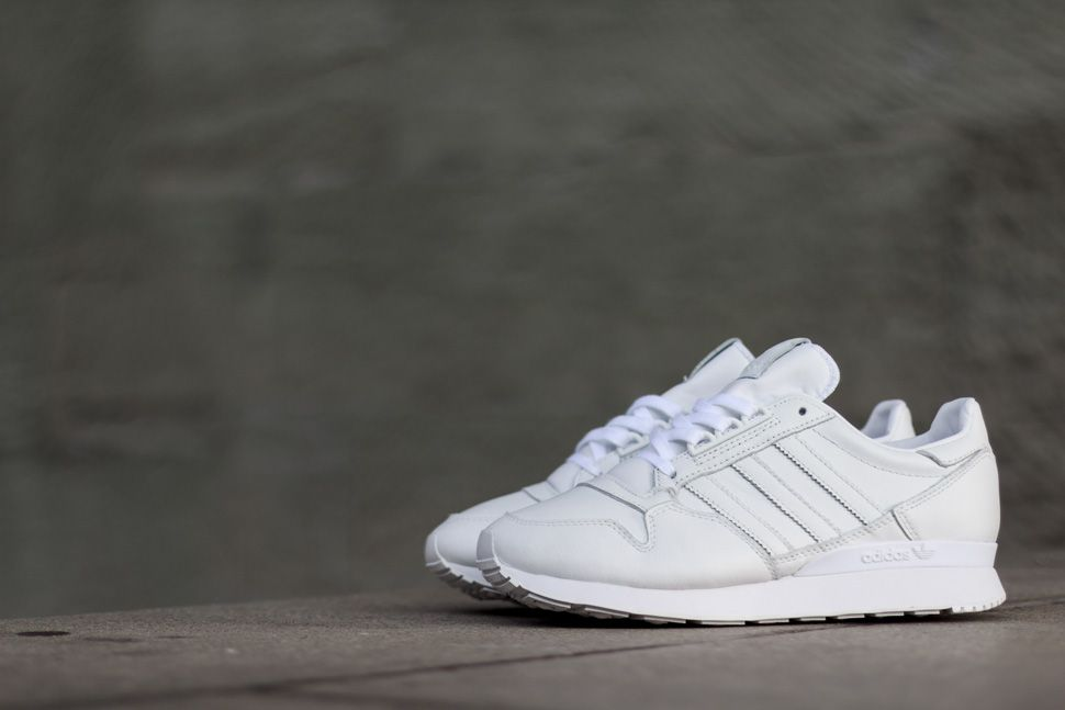 adidas zx 500 og triple white eu kicks sneaker. Black Bedroom Furniture Sets. Home Design Ideas