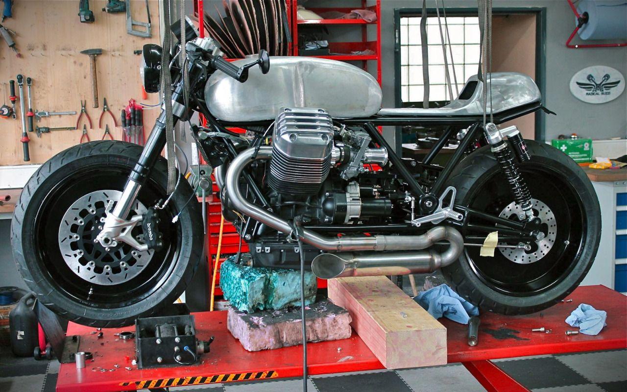 Moto Guzzi Cafe Racer - Holographic Hammer - Radical Guzzi #motorcycles #caferacer #motos | caferacerpasion.com