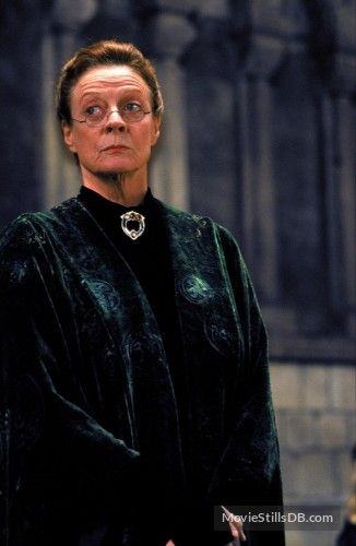 Harry Potter And The Sorcerer S Stone Publicity Still Of Maggie Smith Maggie Smith Harry Potter Maggie Smith Harry Potter Characters