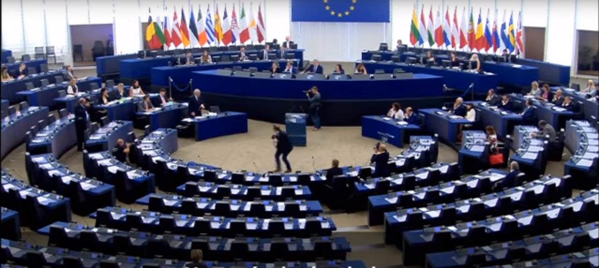 Nachricht Offener Streit in EU Juncker stinksauer über