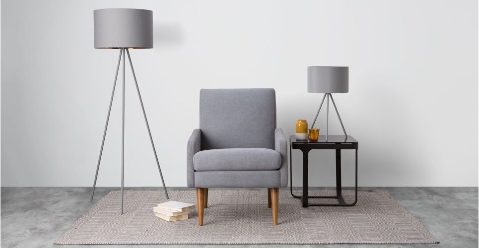 Tris Tripod-Stehlampe, Mattgrau und Kupfer Pinterest Tripod
