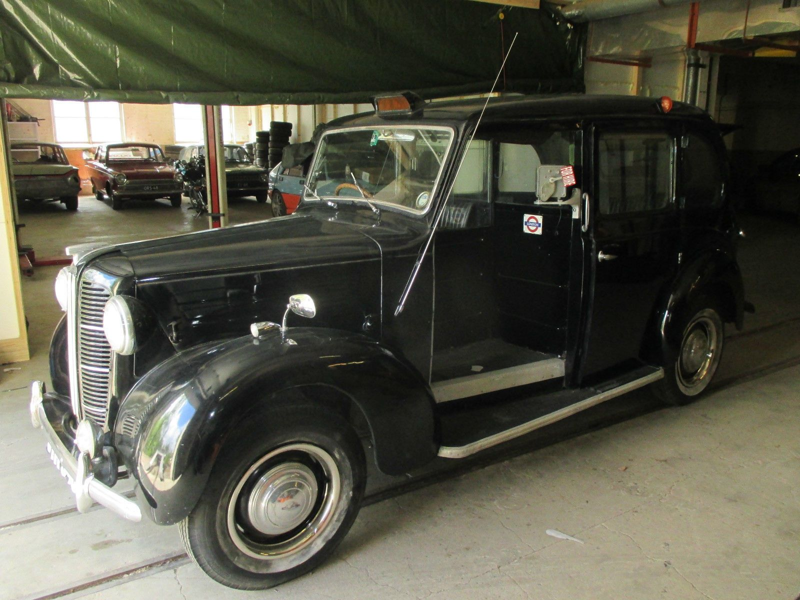 Rare example of a 1958 Austin FX3 D Metropolitan London