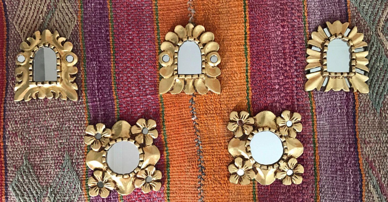 Un favorito personal de mi tienda Etsy https://www.etsy.com/es/listing/486428099/peruvian-colonial-mirrors-one-piece
