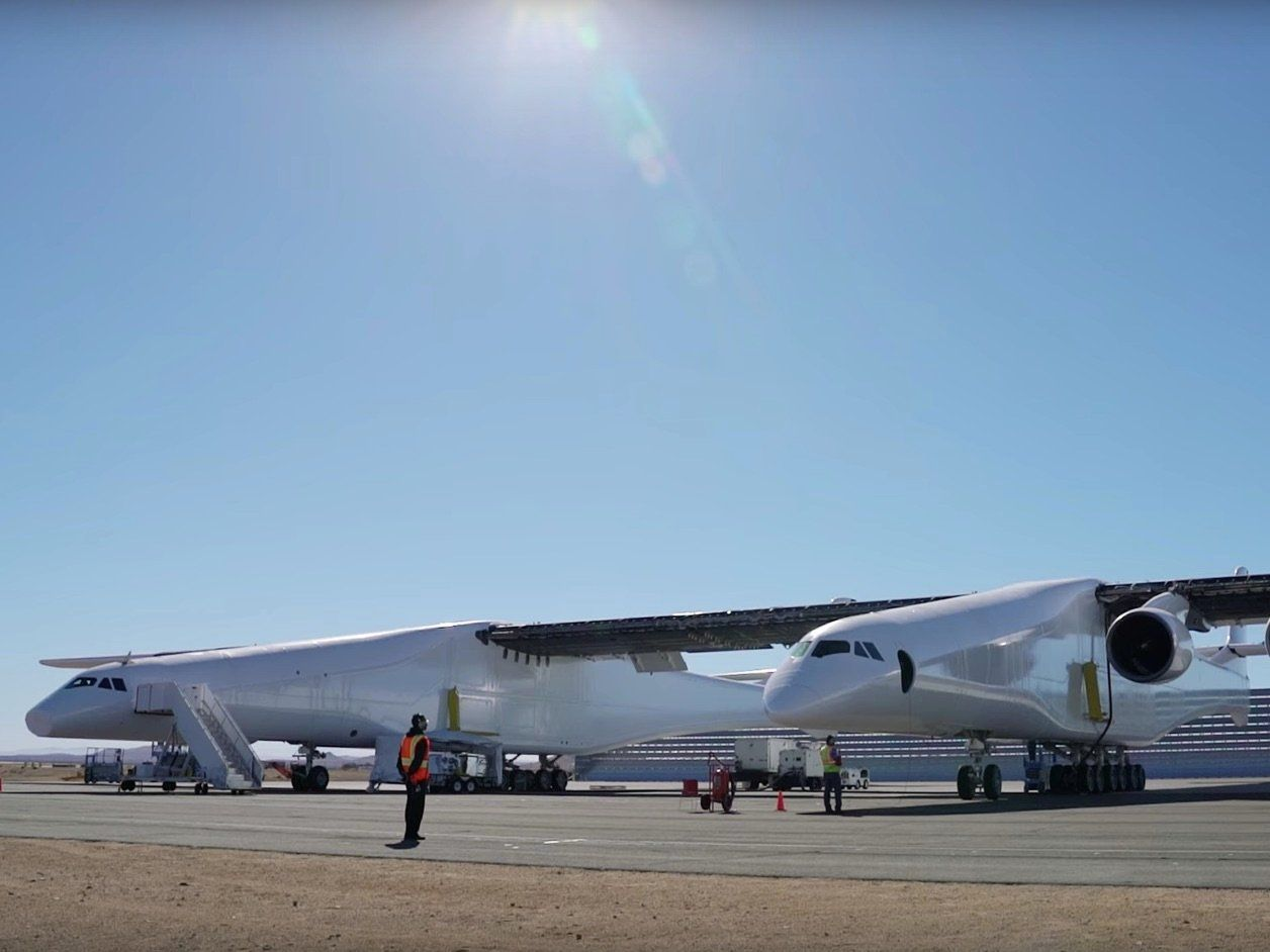 Stratolaunch Is World S Largest Plane Pictures First Flight