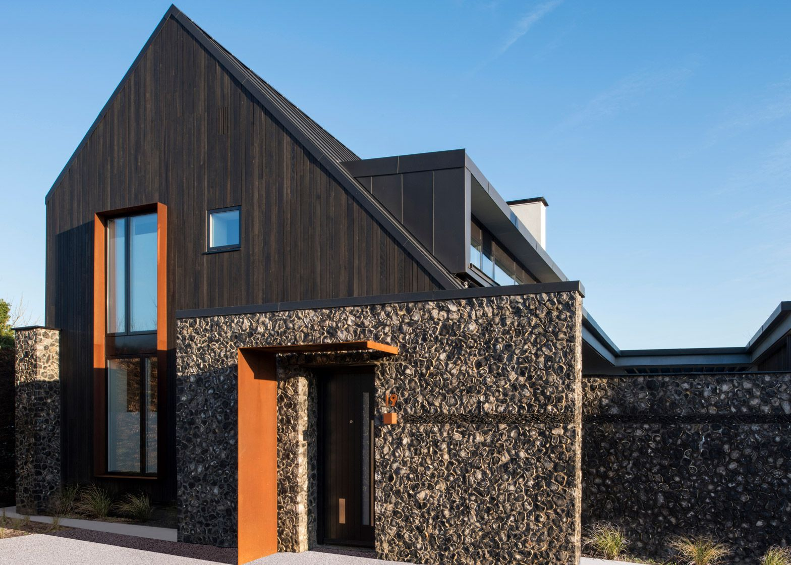 Rugged Flint Walls Feature In House 19 By Jestico And Whiles
