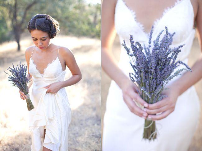 lavender bouquet | bouquet di lavanda |  Lavender Provencal Wedding http://theproposalwedding.blogspot.it/ #lavanda #lavender wedding #matrimonio #spring #primavera