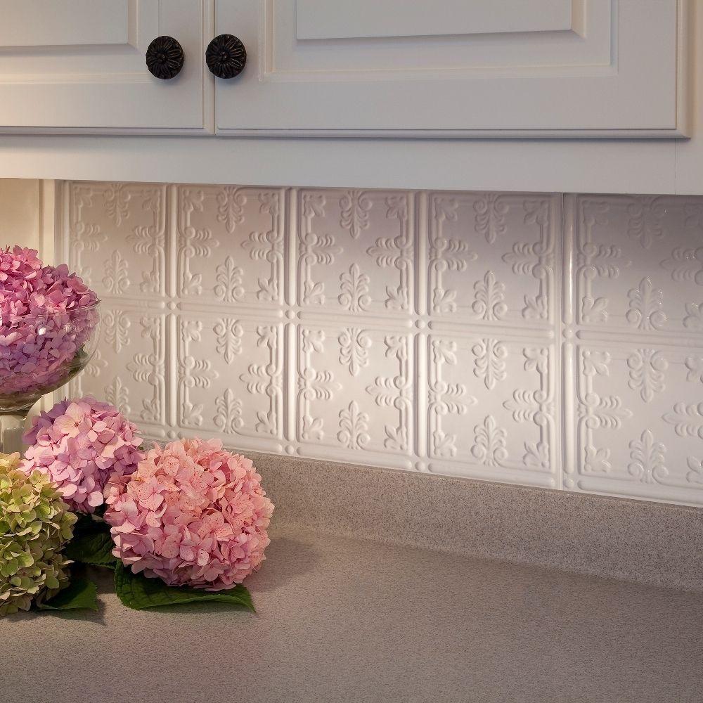 Fasade traditional style gloss white square foot backsplash