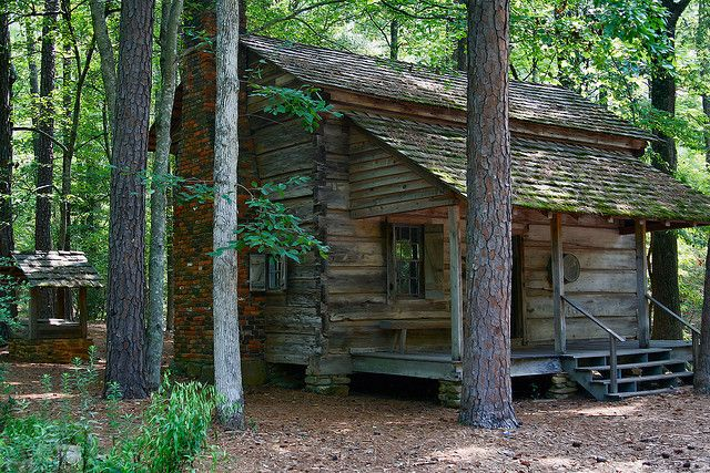 Pioneer Log Cabin Old Cabins Log Cabin Cabins In The Woods