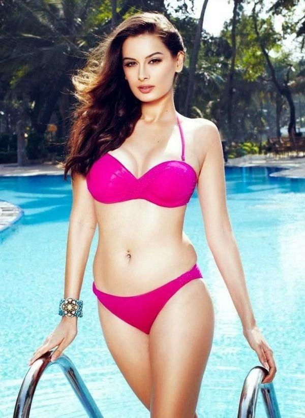 Bollywood Bikini Wallpaper