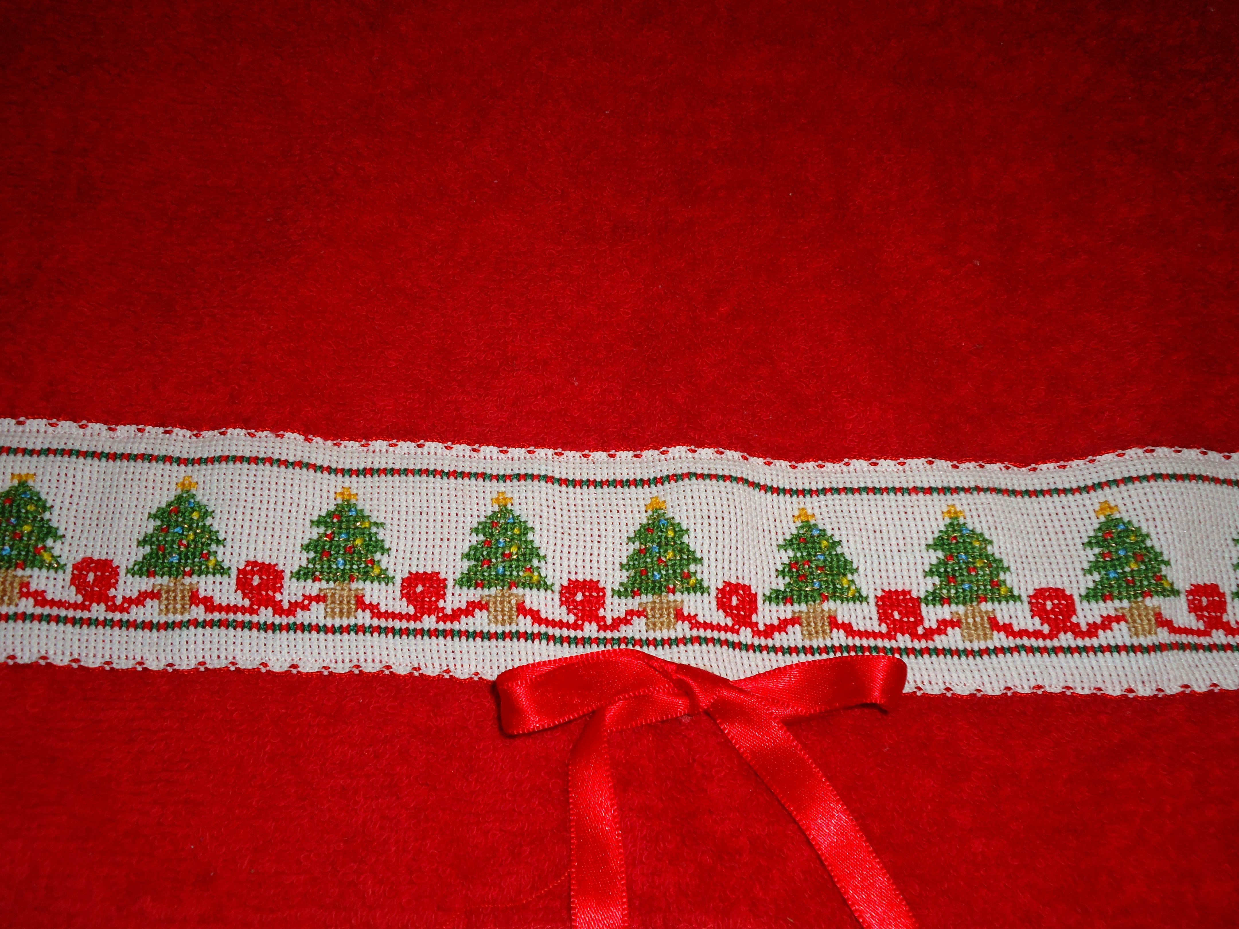 Toalla de mano bordada en punto de cruz hand towel done in cross stitch punto de cruz - Cenefas punto de cruz para toallas de bano ...