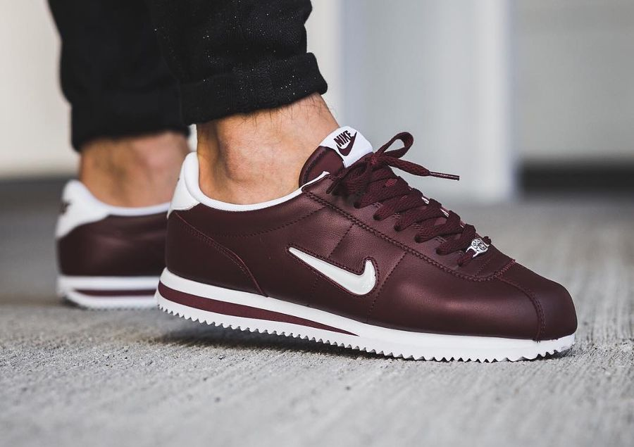 new product 9fadf 9b5ed Nike Cortez Basic Jewel  Dark Team Red