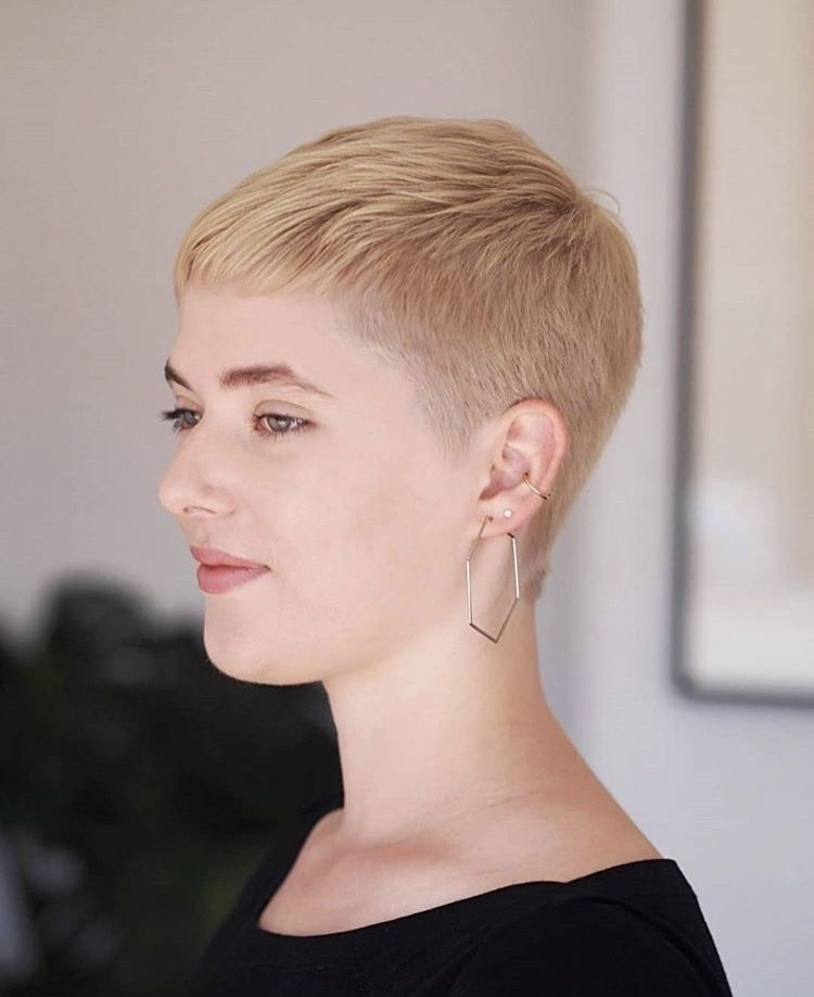Short Hair And Pixies On Instagram Short Pixie From Asuka Hair Womens Hairstyles Hair Styles Short Hairstyles For Women