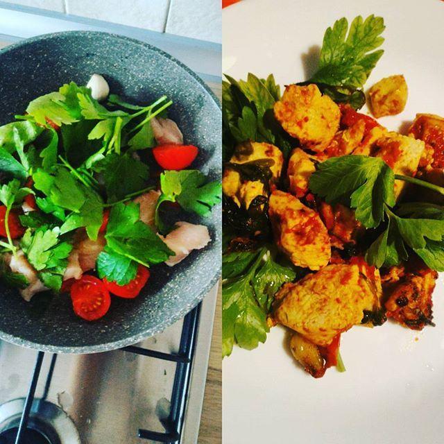 Si conclude il week end con una cenetta veloce e gustosa... Pollo a modo mio..prezzemolo e pomodorini... Buon appetito #ultimaricetta #cenaitaliana #prontointavola #ricettasulblog #gusciduovo #instafoodblogger #instafoods #goodfoods #instablog #instarecipe #instarecipes #rdd_food #pranzoitaliano #sunday #weekend #ricettaveloce #chicken #italianfood #photofood