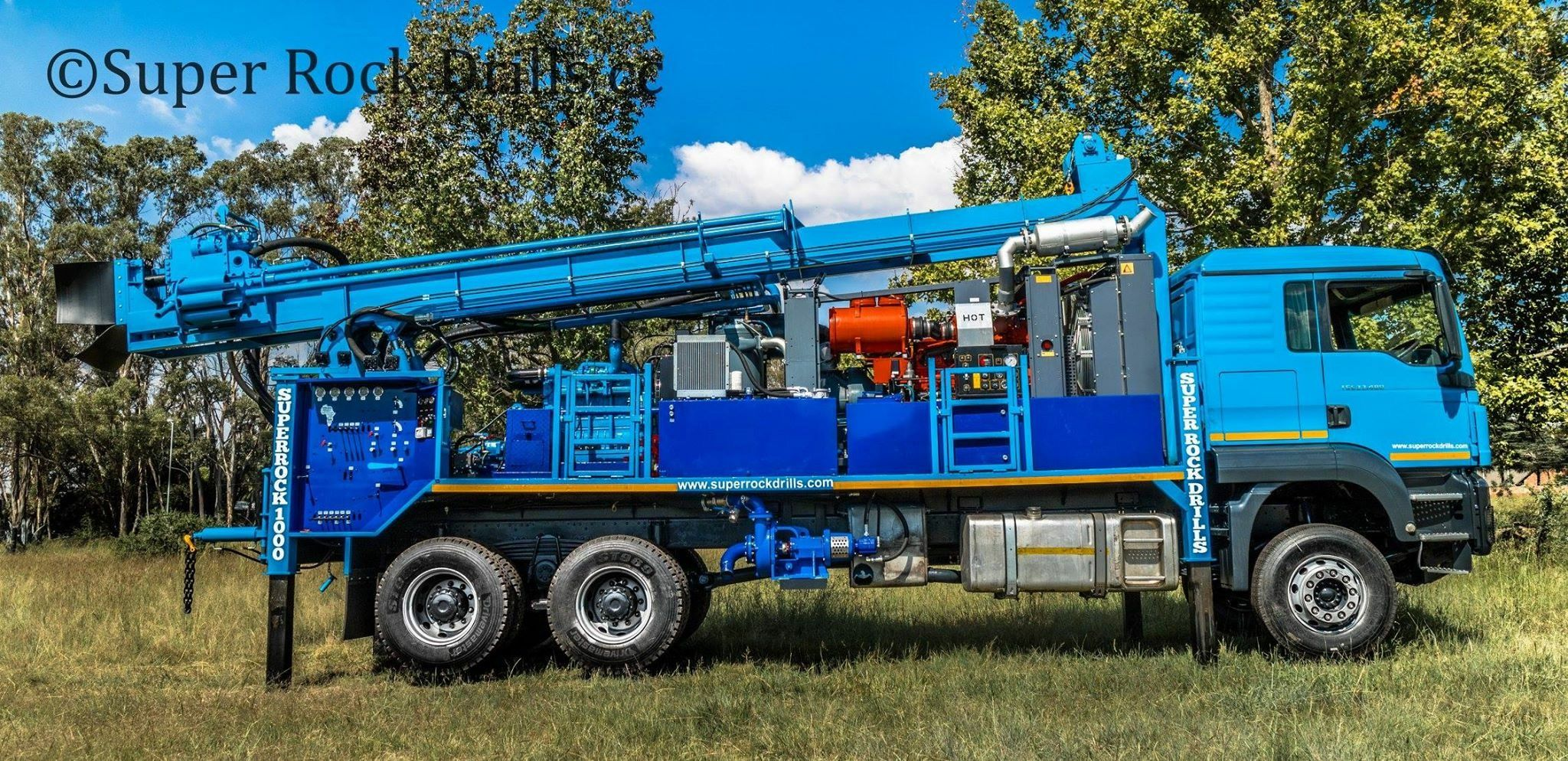 Super Rock 1000 water well rig c/w Atlas Copco compressor