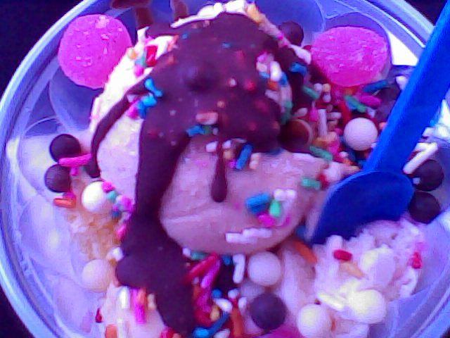 i loveeee ice cream.