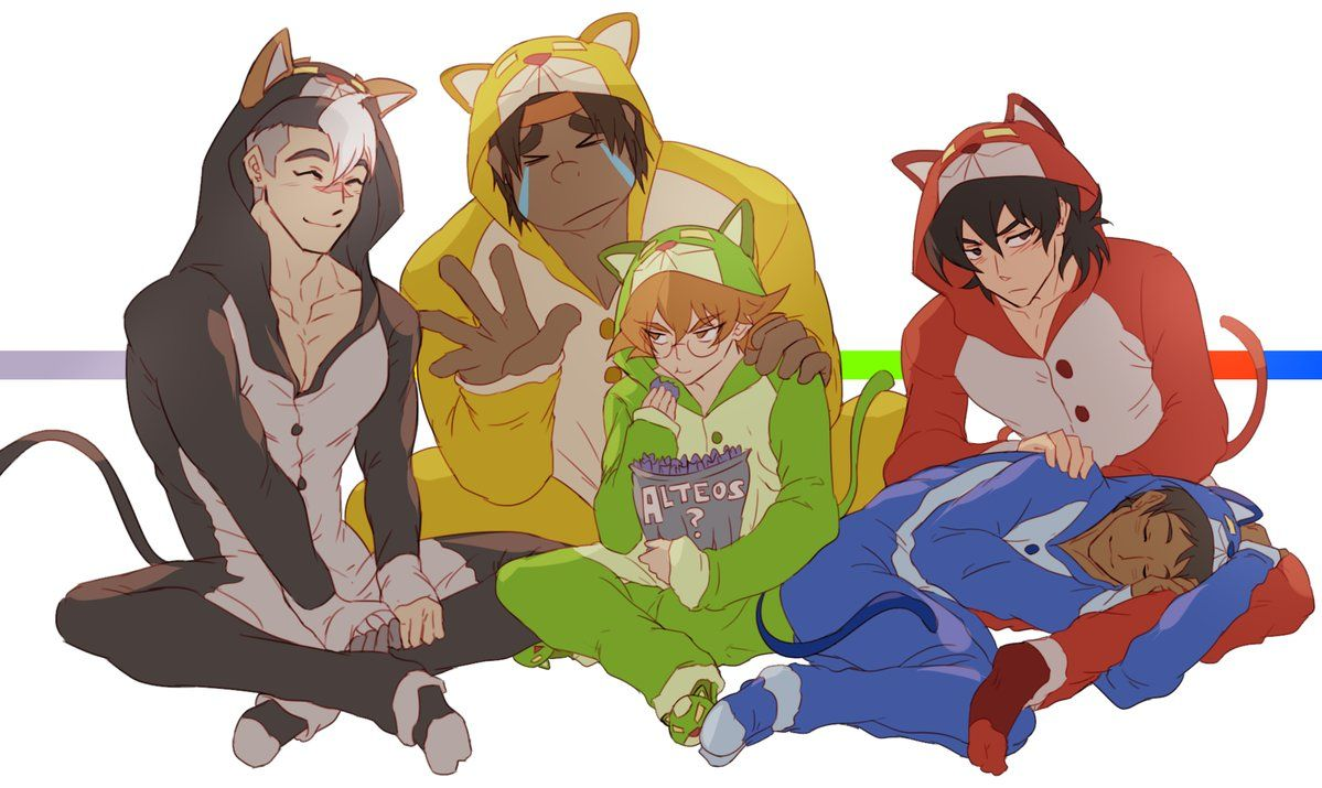 *GASP* LANCE IS LAYING ON KEITH