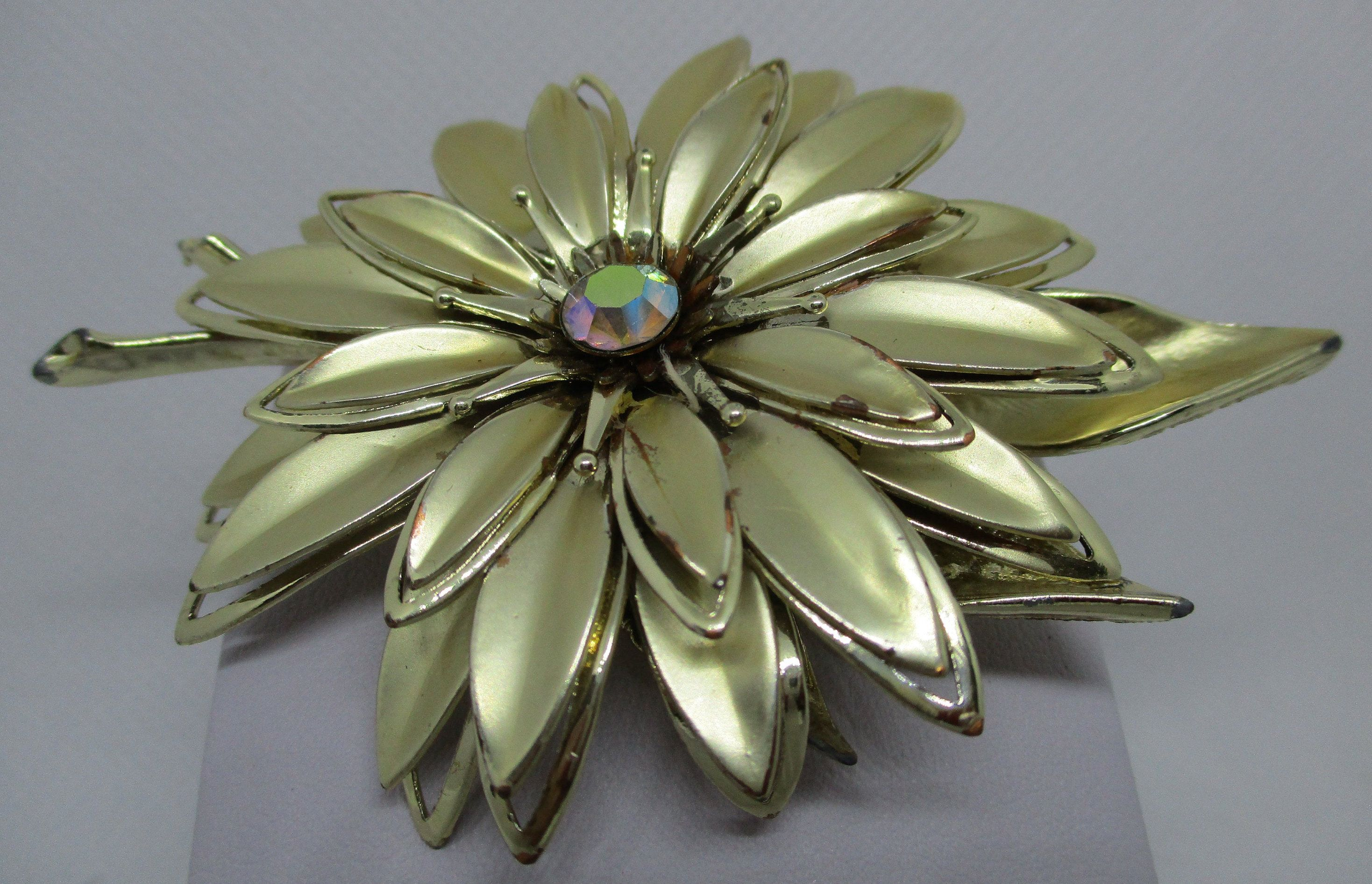 1 Large White Vintage Enameled Metal Flower 3 Inches And Is Beadable.