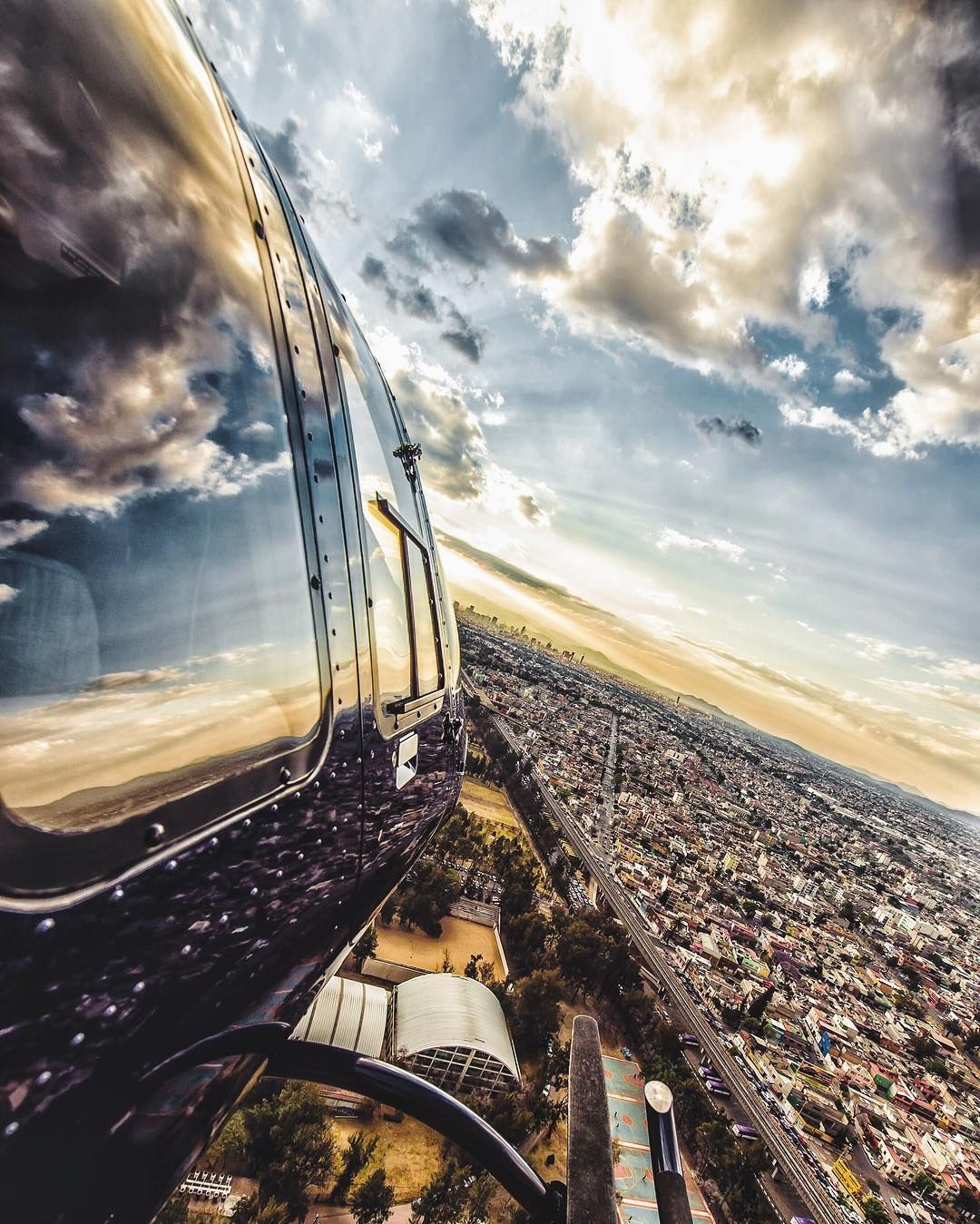 """Photographer auf Instagram: """"Don't let the fear of falling keep you from flying.  @moodygrams takeover #MG200k"""""""