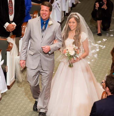 Photo of Jessa Duggar looked (as always) stunning in her classic and simple wedding dress …