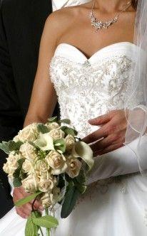 Brautstrauss Helle Rosen Und Weisse Calla Bridal Bouquet