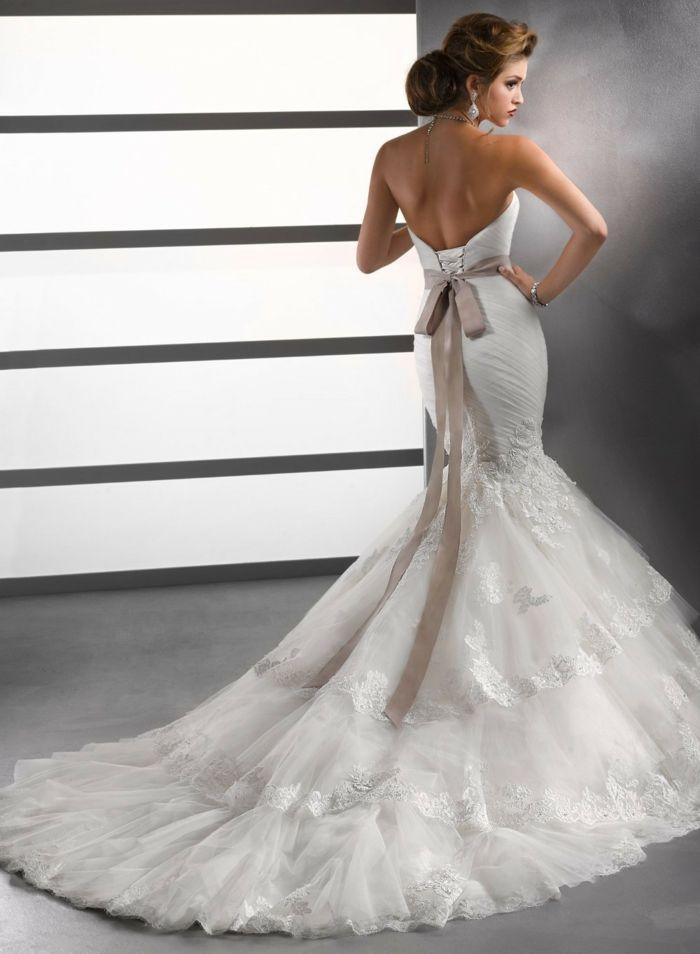 33 Sexy Brautkleider Ideen für künftige Bräute mit Schwung   Bridal ...