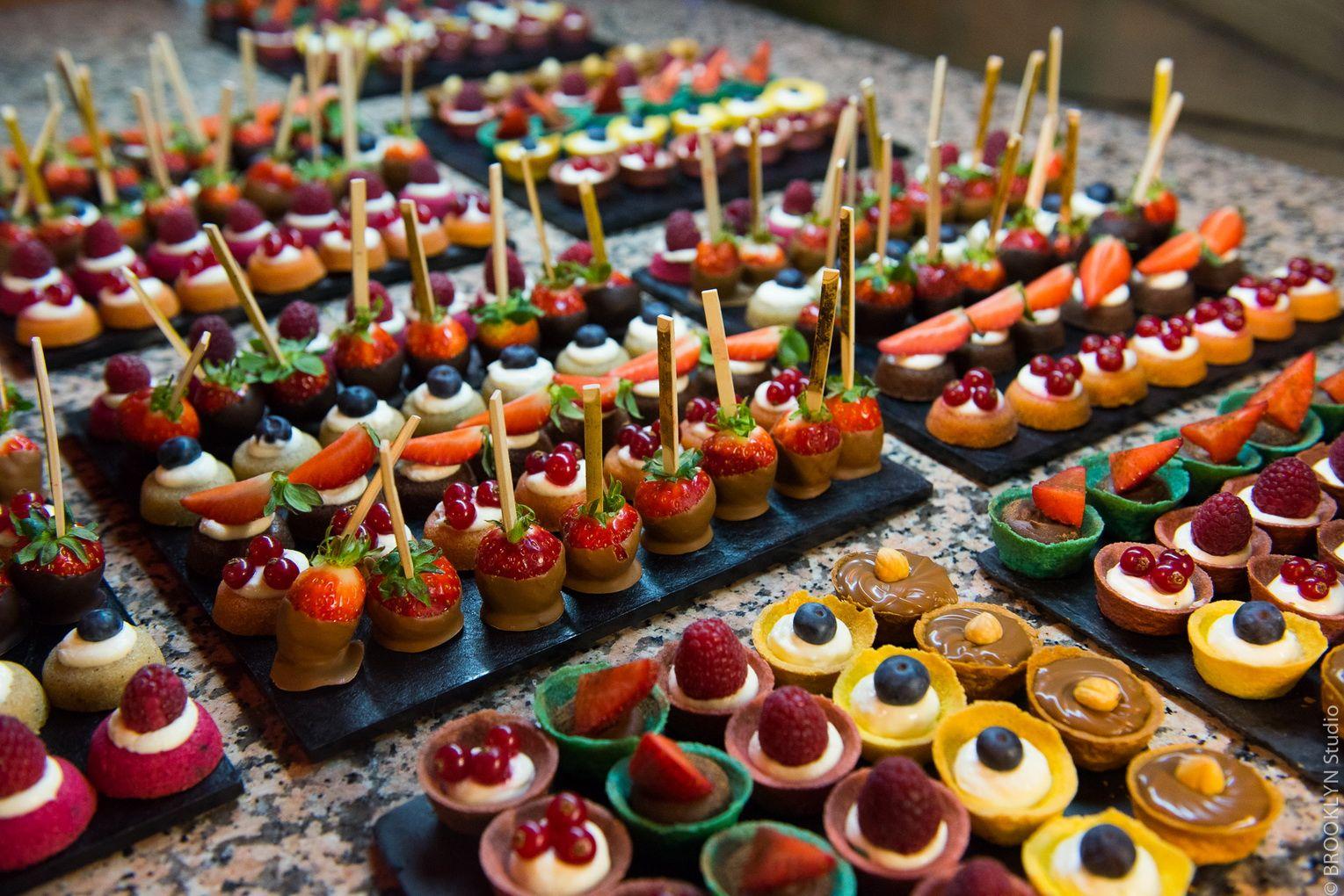 r sultat de recherche d 39 images pour buffet de desserts buffets bluffants pinterest. Black Bedroom Furniture Sets. Home Design Ideas