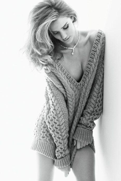 3576fa7fb54 Rosie Huntington-Whiteley by Alexi Lubomirski for Vogue Germany ...