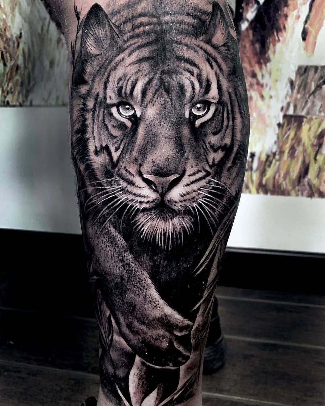 Reposted from @skingiants 🐅 🙏🏻⚡👏 Tiger Artist: @paloma.salazar.tattoo Country: ES ——————————————————————— ⚜️FOLLOW⚜️ @skingiants for daily tattoos! Sharing only the best tattoos Artists on instagram —————————————————————— #realismtattoo #blackandgreytattoo #skingiants #tattooist #tattoolove #tattooed #tattoosleeve #tattoodesign #tattoolover #tattooworld #tattoosofinstagram #tattoolovers #tattooleg #inked #tat #tats - #regrann