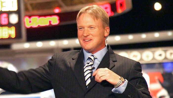 Jon Gruden Still Talking Inside Espn Broadcast Booth 45 Minutes After End Of Monday Night Football In 2020 Monday Night Football Espn Monday Night
