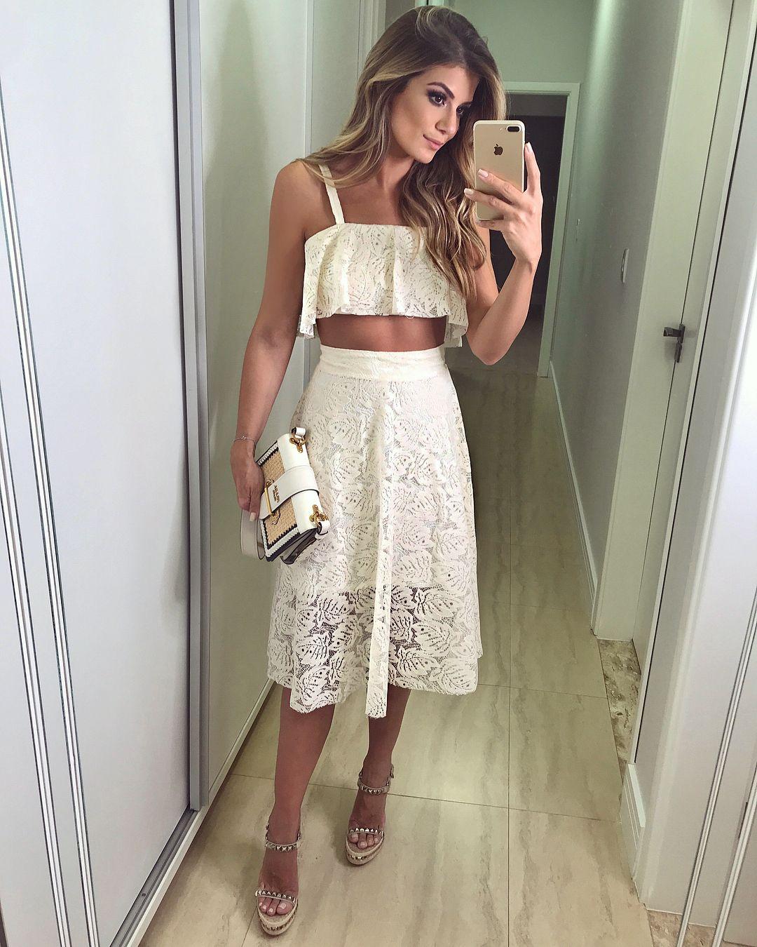 6bfff3f98  Verão  rocklola  ✨  Conjunto de renda!! Muito amor nessa mistura de mini  top cropped com midi ♥ Meu tipo de look do verão! •  selfie…