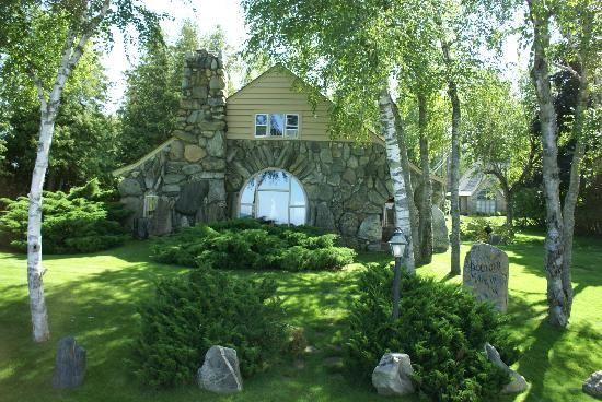 mushroom-house.jpg (550×368)
