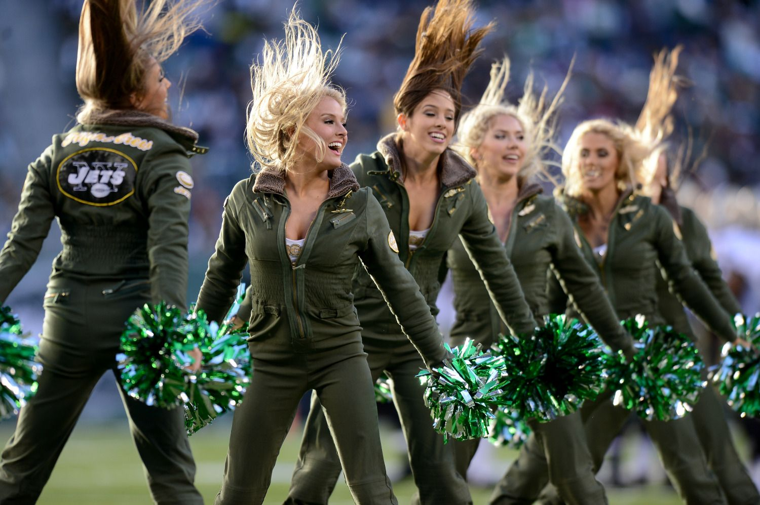 Jets To Pay 324K To Settle Cheerleaders' Wage Lawsuit