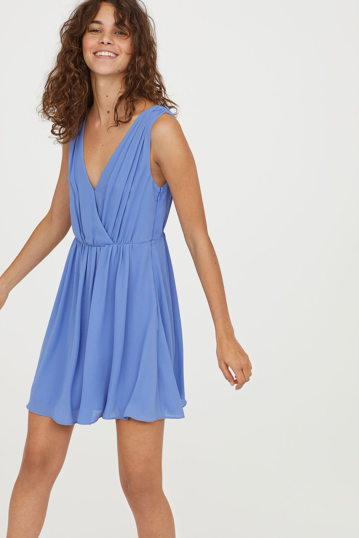 Light blue sleeveless dress in airy woven fabric pleated vneck