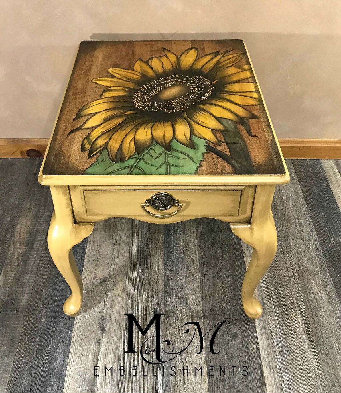 Base Of Table Is Painted In Wise Owl Goldenrod Furniture Makeover