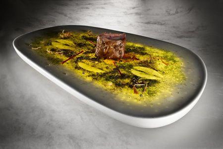 Empratamento e novo conceito gastronómico desenvolvido pelo designer holandês Philips Design em colaboração com o restaurante espanhol Arzak. Multi-sensorial Gastronomy by dutch designer Philips Design in collaboration with spanish restaurant Arzak.