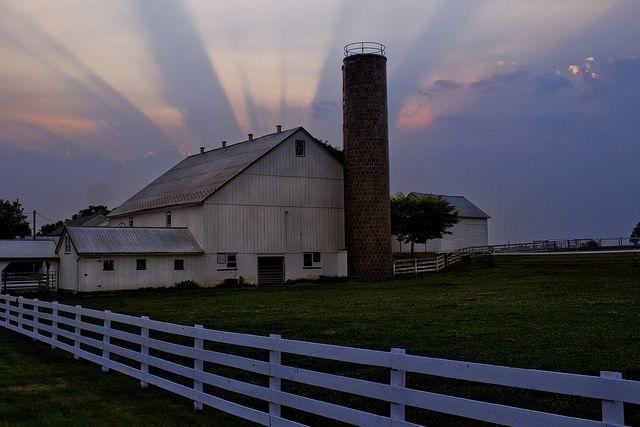 Amish Barn Lancaster County Pennsylvania By
