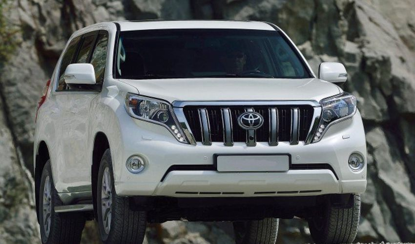 2019 toyota land cruiser redesign  price and release date rumor