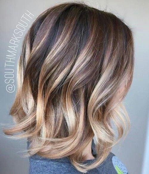 coiffure cheveux mi long meche blonde