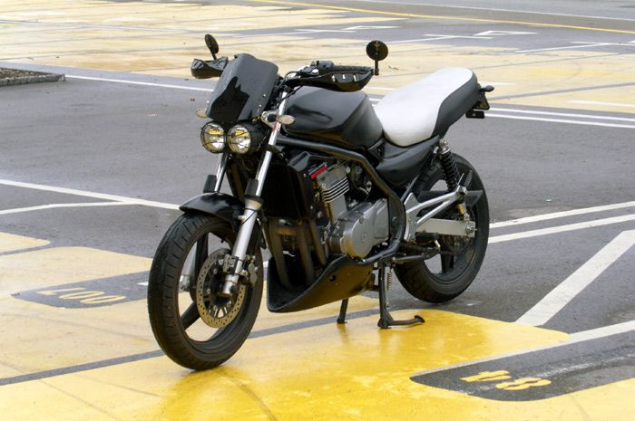 Rad Swiss Kawasaki Er 5 Conversion With Buell Lightning Twin