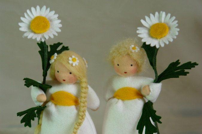 Marguerite Flower Child Waldorf Inspired by KatjasFlowerchilds. €31,00 EUR, via Etsy.