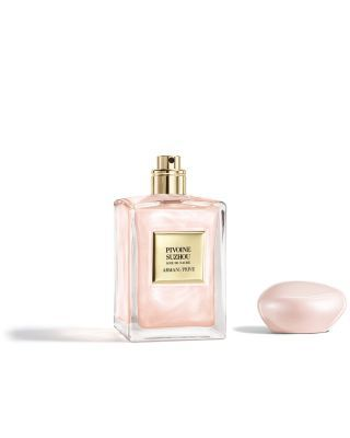 <b>Key Notes</b>:PeonyAbout The Fragrance:<Br>Pivoine Suzhou is a tribute to China's most beloved flower, the peony. This Holiday, Armani/Prive brings back the beloved Pivoine Soie de Nacre, the best-selling fragrance in a pearly, silky, nacre juice. The current beloved Pivoine Suzhou fragrance is infused with white and pink nacre flakes. Each spray leaves a delicate & luminous trail on the skin.Each bottle is dressed with an elegant light pink cap, illuminated by a nacre effect, enclosed in an