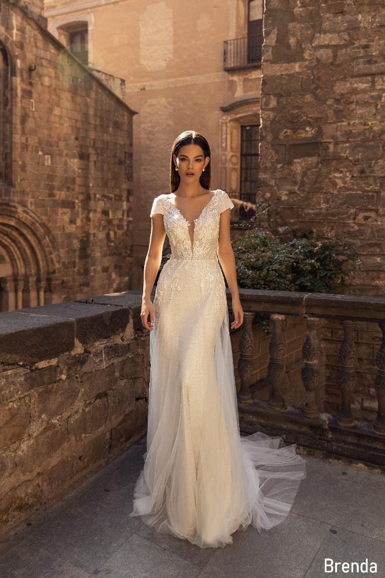Hochzeitskleider fit in flare in 12  Fit and flare brautkleid