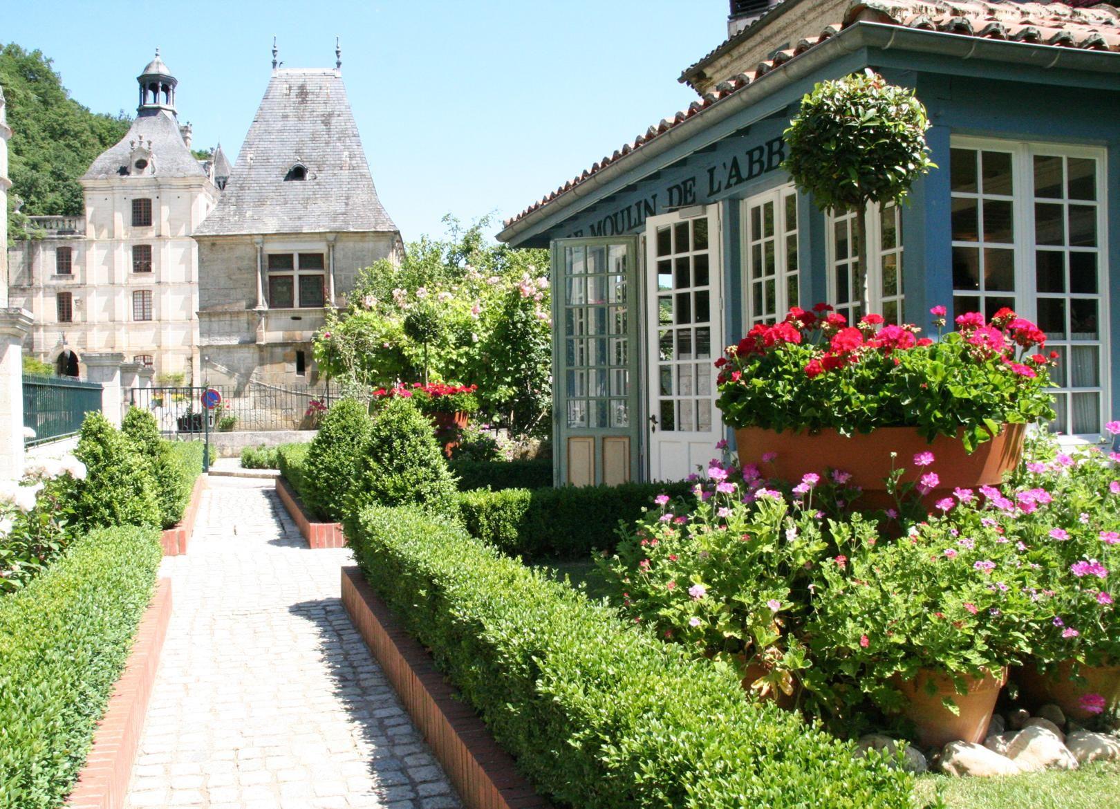 Moulin de l'Abbaye, Hotel And Restaurant in Brantome ...