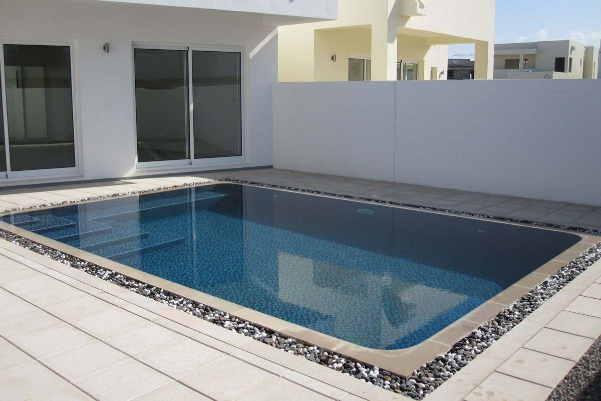 Modern overflow swimming pool in 2019 | Gan | Modern pools ...