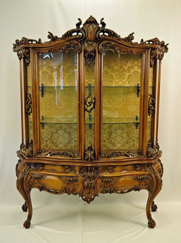 French rococo style vitrine with curved glass antiques for French baroque characteristics
