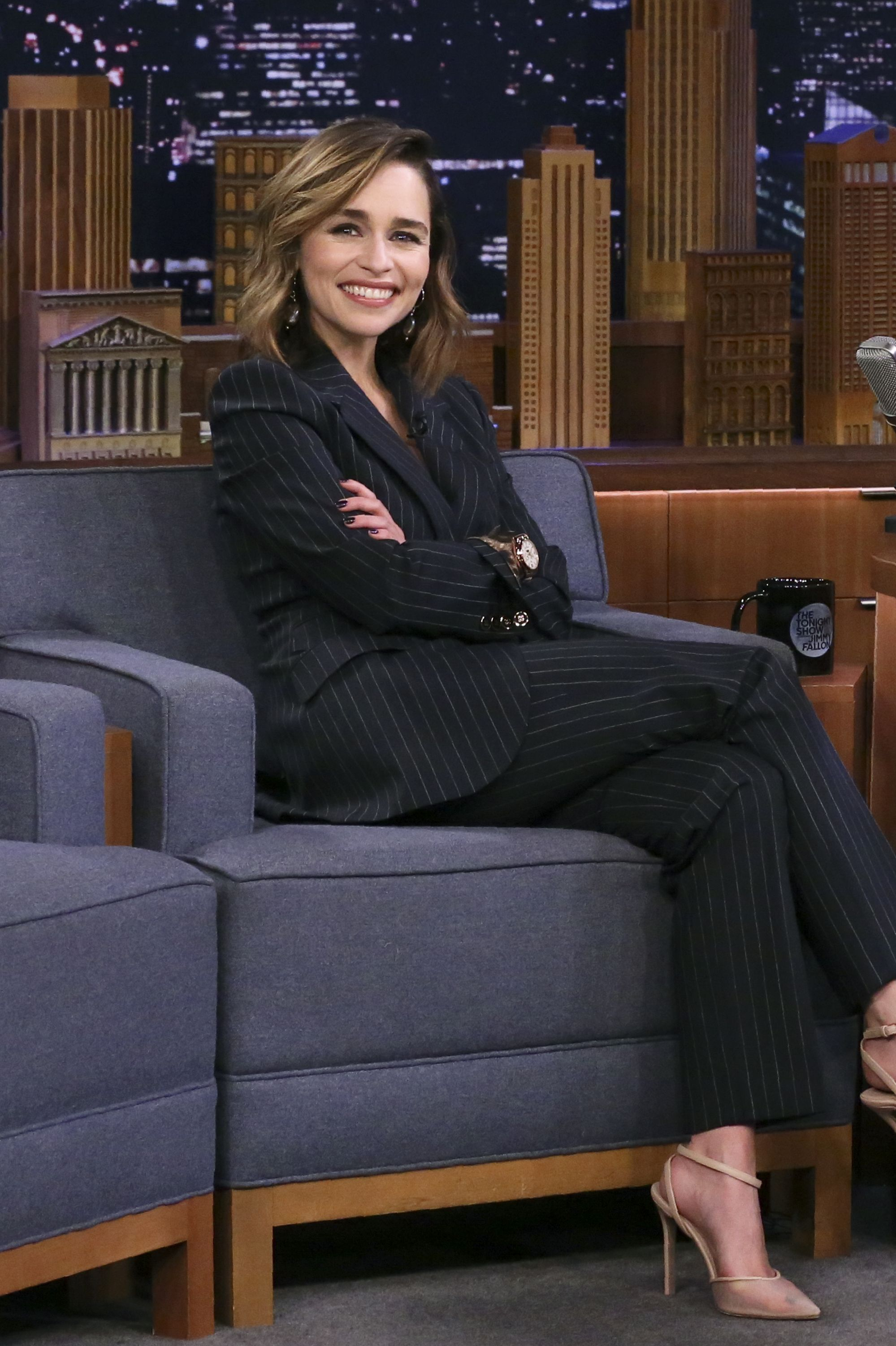 Emilia Clarke In Dolce & Gabbana - The Tonight Show Starring Jimmy Fallon #emiliaclarke