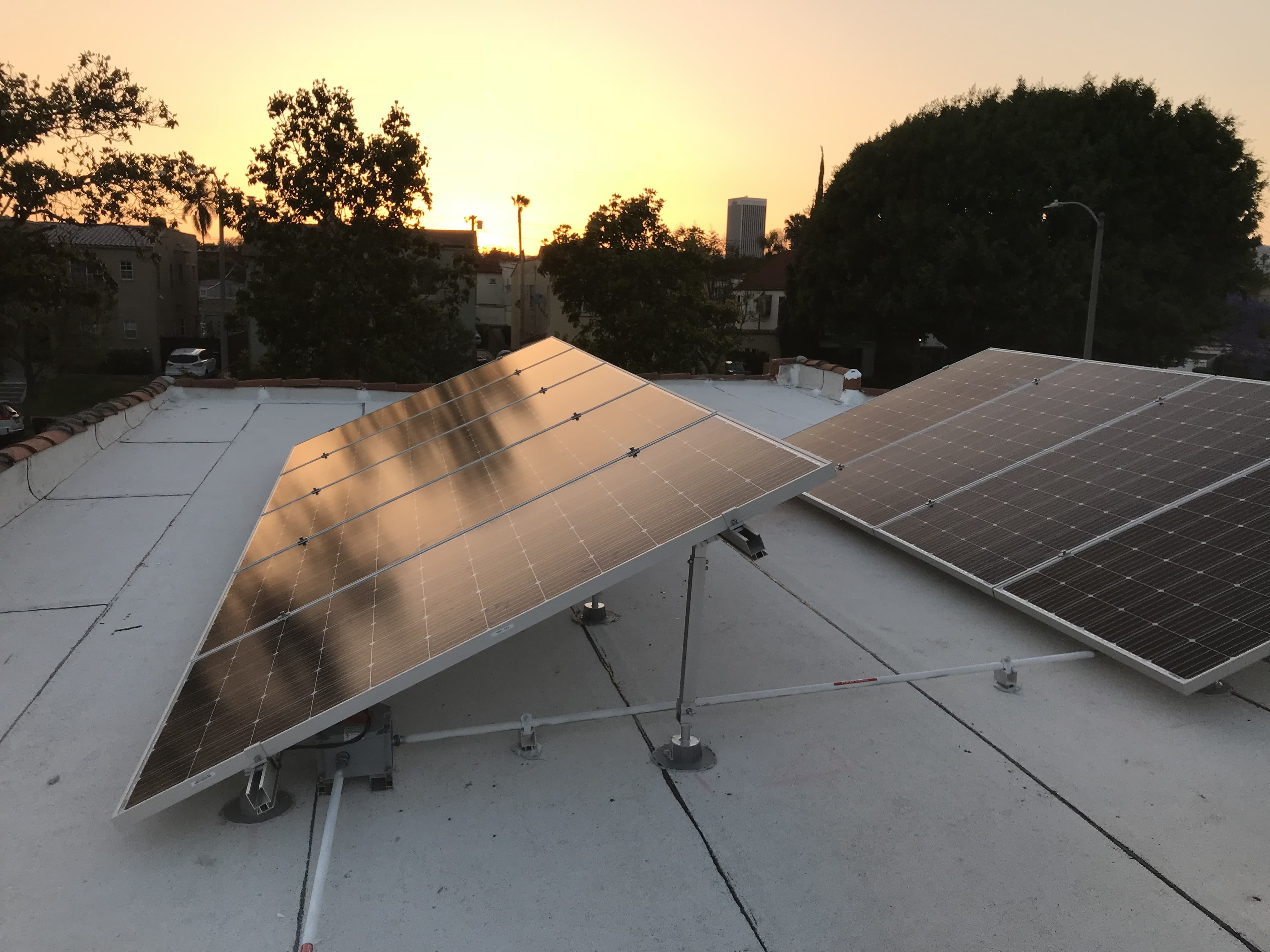 Flat Roof Mounted Residential Solar Panel System Residential Solar Panels Solar Roof Solar Panels